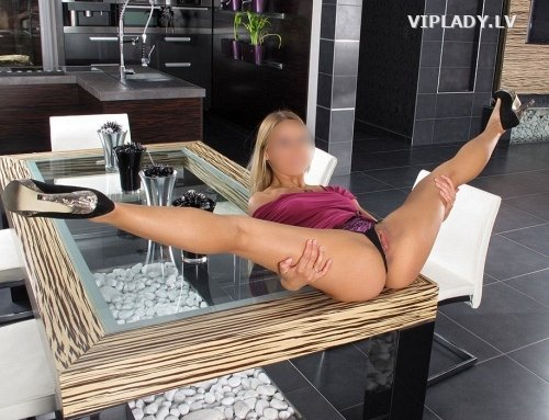 LISA ( VIP  GIRL )